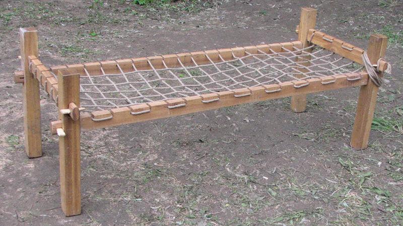 Кровать походная