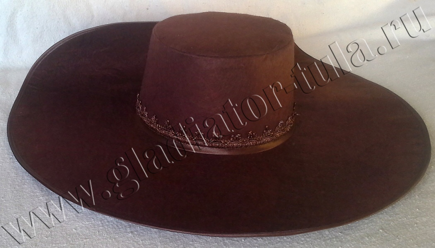 Шляпа фетровая с широкими полями