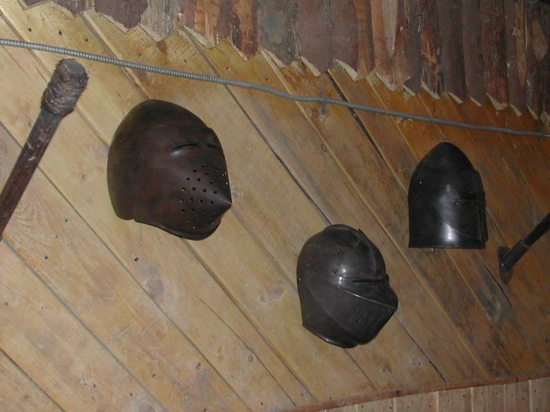 Светильники в средневековом стиле