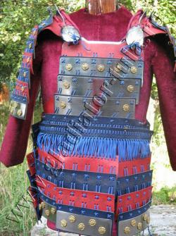 Самурайский доспех - Ламинарный нагрудник с юбкой и оплечьями