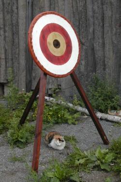 Мишень деревянная на треноге