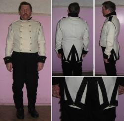Комплект формы русского офицера времен Отечественной войны 1812 года.