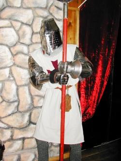 Доспехи Рыцаря-Крестоносца Ордена Тамплиеров 13 века.
