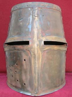 """Шлем рыцарский, тип """"Топфхельм"""" из Мальброка"""